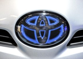Toyota hybrid badge