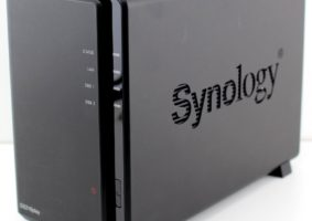 Synology_DS216play-Photo-front-angle-800x782